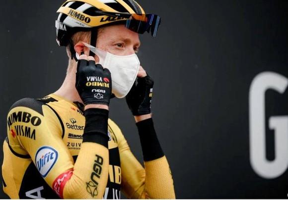 Hai đội  Jumbo-Vismavà EF Pro Cycling có thể bị cấm dự Giro d'Italia 2021 ảnh 2