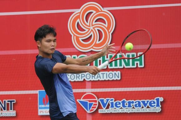 Trịnh Linh Giang lấy hết tiền thưởng giải quần vợt quốc gia tiếp sức cho Lý Hoàng Nam ủng hộ đồng bào miền Trung ảnh 1
