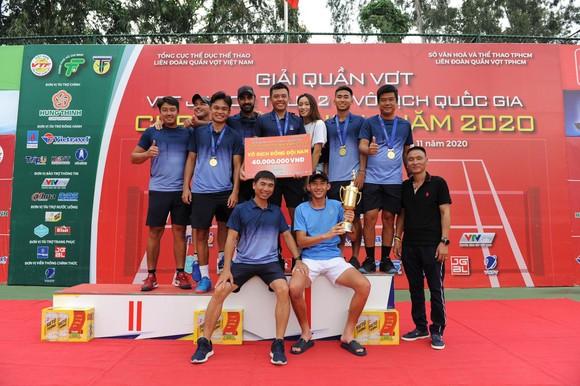 Trịnh Linh Giang lấy hết tiền thưởng giải quần vợt quốc gia tiếp sức cho Lý Hoàng Nam ủng hộ đồng bào miền Trung ảnh 3