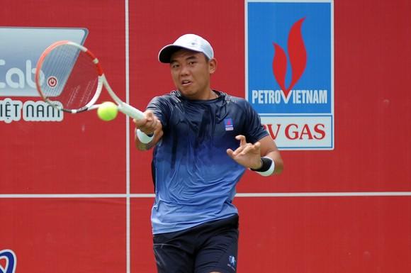 Trịnh Linh Giang lấy hết tiền thưởng giải quần vợt quốc gia tiếp sức cho Lý Hoàng Nam ủng hộ đồng bào miền Trung ảnh 2