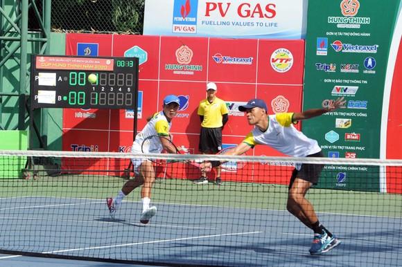 """Đòi nợ """"Vua đánh đôi"""", Lý Hoàng Nam cùng Trịnh Linh Giang lên ngôi giải quần vợt vô địch quốc gia ảnh 1"""
