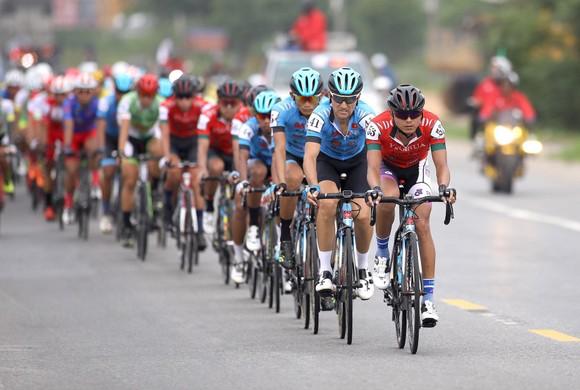 Chờ màn tranh tài nước rút ở giải xe đạp Nam Kỳ Khởi Nghĩa ảnh 2