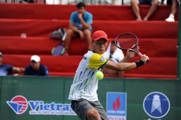 Lý Hoàng Nam ra oai ở nội dung đơn nam giải quần vợt VTF Masters – Lạch Tray 2020 ảnh 2