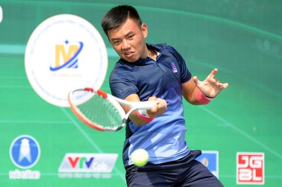 """Trịnh Linh Giang bất ngờ """"hạ bệ"""" Lý Hoàng Nam để vô địch giải VTF Masters 500 ảnh 1"""