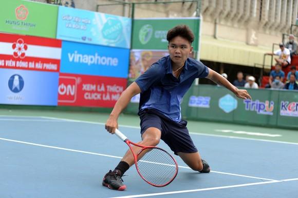 """Trịnh Linh Giang bất ngờ """"hạ bệ"""" Lý Hoàng Nam để vô địch giải VTF Masters 500 ảnh 2"""