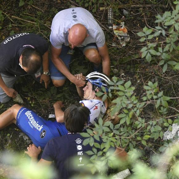 Tay đua Remco Evenepoel trả giá vì quá vội vàng sau chấn thương ảnh 2