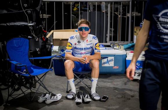 Tay đua Remco Evenepoel trả giá vì quá vội vàng sau chấn thương ảnh 1