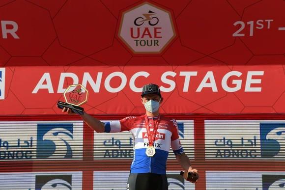 Mathieu van der Poel thắng chặng đua xuyên sa mạc ảnh 3