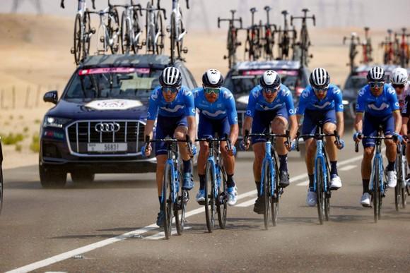 Mathieu van der Poel thắng chặng đua xuyên sa mạc ảnh 1