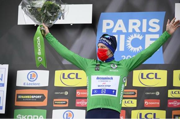 """Sam Bennett """"nổi đoá"""" dù chiến thắng chặng 5 vươn lên mặc áo xanh giải Paris – Nice ảnh 2"""