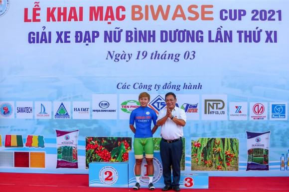 Nguyễn Thị Thật chiến thắng chặng 2 giành Áo xanh giải xe đạp nữ Biwase 2021    ảnh 2