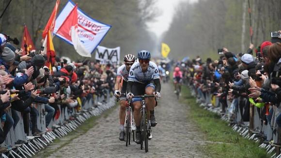 Paris-Roubaix 2021 sẽ diễn ra đầu tháng 10