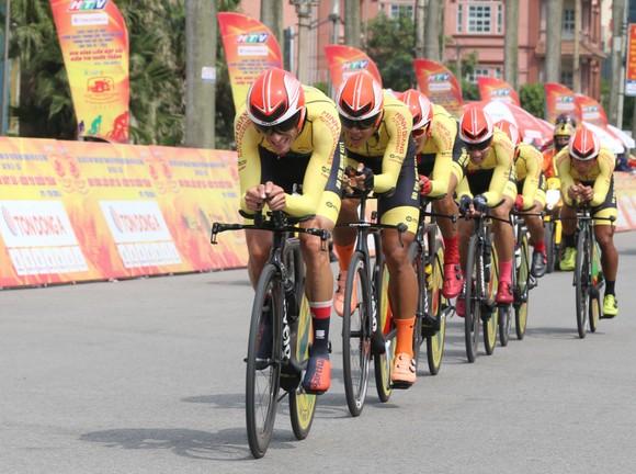 Bike Life Đồng Nai lật đổ TPHCM Vinama ở nội dung đồng đội tính giờ lấy Áo vàng cho Loic ảnh 1