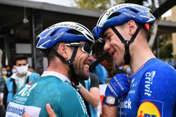Huyền thoại Mark Cavendish lập hat-trick tại Tour xe đạp Thổ Nhĩ Kỳ ảnh 1