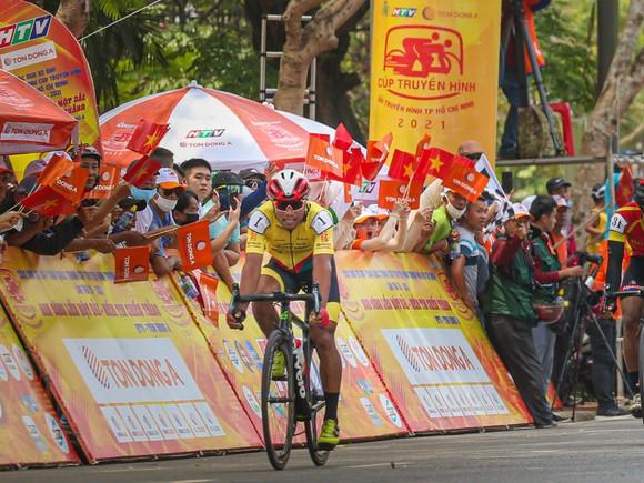 Nguyễn Trường Tài thắng chặng 10 mở ra ưu thế cho TPHCM Vinama  ảnh 3