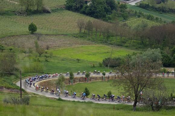 Giải xe đạp Giro d'Italia: Taco van der Hoorn có chiến thắng đầu tiên ở Grand Tour ảnh 1