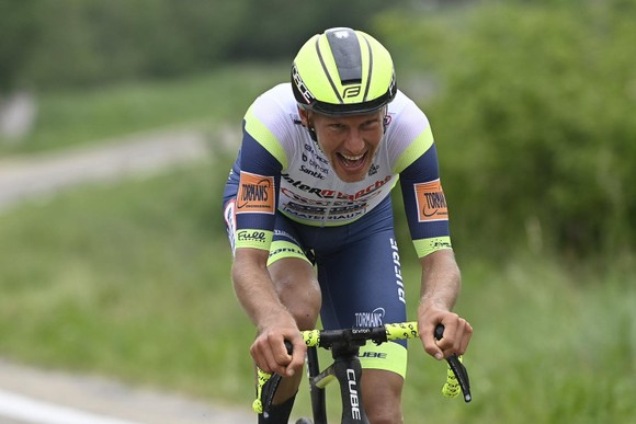 Giải xe đạp Giro d'Italia: Taco van der Hoorn có chiến thắng đầu tiên ở Grand Tour ảnh 2