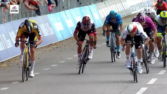 """Giacomo Nizzolo """"phá dớp"""" thắng chặng 13 Giro d'Italia 2021 ảnh 3"""