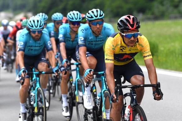 Rui Costa bị tước chiến thắng ở Tour de Suisse vì ép xe đối thủ ảnh 3