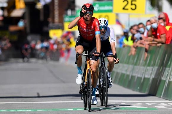 Richard Carapaz giành Áo vàng chung cuộc Tour de Suisse 2021 ảnh 2