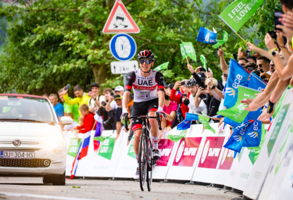 Áo vàng Tour de France Tadej Pogacar giành cú đúp giải xe đạp Tour of Slovenia 2021 ảnh 1