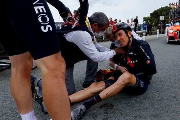 """Nhiều """"Ứng viên"""" bị tai nạn ở chặng 3 giải xe đạp Tour de France ảnh 2"""