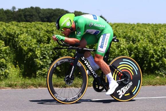 Wout Van Aert thắng chặng cá nhân tính giờ với  tốc độ trung bình 51,5 km/giờ ảnh 3
