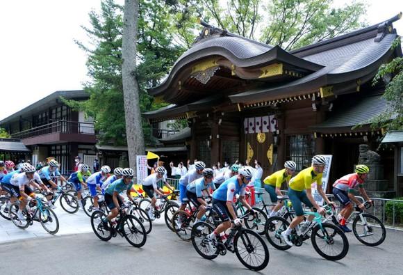 Đánh bại Áo vàng Tour de France Tadej Pogacar, Richard Carapaz giành HCV Olympic  ảnh 1