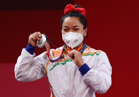 Mirabai Chanu đoạt HCB 49kg nữ tại Olympic Tokyo