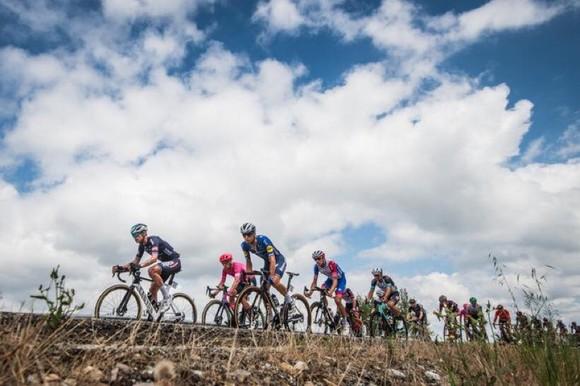 Magnus Cort hoàn tất hat-trick tại giải xe đạp Vuelta a Espana ảnh 1