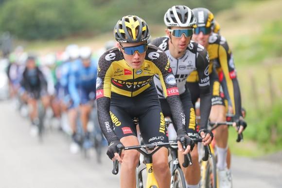 Cú nước rút thần tốc giúp Wout Van Aert giành chiến thắng chung cuộc  Tour of Britain ảnh 1