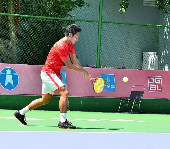 Đội tuyển Việt Nam chiến thắng vất vả ngày ra quân giải quần vợt Davis Cup ảnh 1