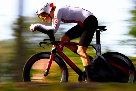 Nữ tay đua 34 tuổi Ellen van Dijk chạy cá nhân tính giờ hơn 50,3km/h ảnh 3