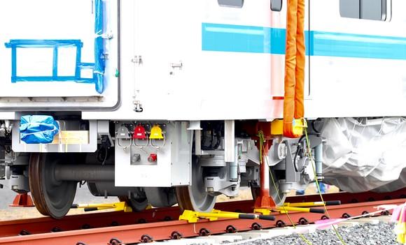 Toa tàu metro số 1 đầu tiên đã đặt lên đường ray   ảnh 9