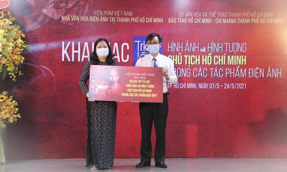 Triển lãm ''Hình ảnh và hình tượng Chủ tịch Hồ Chí Minh trong các tác phẩm điện ảnh'' ảnh 8