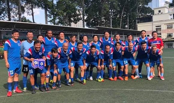 Giải bóng đá chào mừng 42 năm thành lập Trường Đại học Kinh tế TPHCM ảnh 3