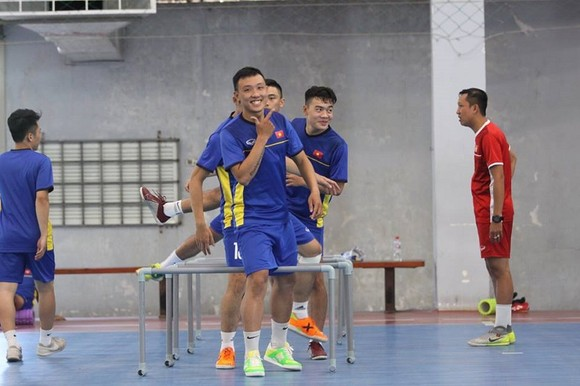 """6 cầu thủ futsal Việt Nam đi """"du học"""" tại Tây Ban Nha   ảnh 2"""