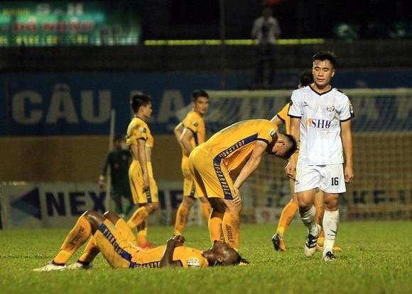 Điểm binh vòng 6 V-League 2019 (Ngày 19, 20-4): Đối đầu giữa các HLV Hàn Quốc trên sân Thống Nhất ảnh 2