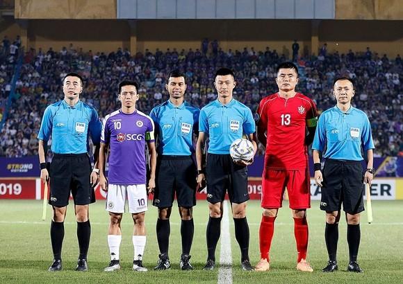 Văn Quyết và các đồng đội sẽ có trận lượt về nhiều khó khăn tại Bình Nhưỡng. Ảnh: MINH HOÀNG
