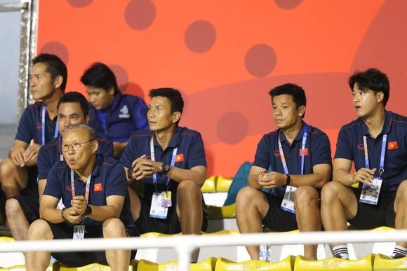 Nữ Việt Nam - Nữ Thái Lan 1-0: Bảo vệ thành công ngôi Hậu ảnh 2