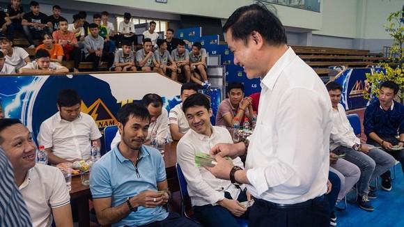 Lãnh đạo VFF đến thăm, chúc Tết đội tuyển futsal Việt Nam  ảnh 3