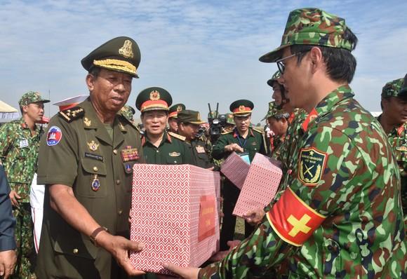 Việt Nam – Campuchia diễn tập cứu hộ, cứu nạn khu vực biên giới đất liền   ảnh 4