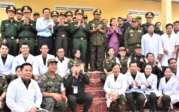 Việt Nam – Campuchia diễn tập cứu hộ, cứu nạn khu vực biên giới đất liền   ảnh 8