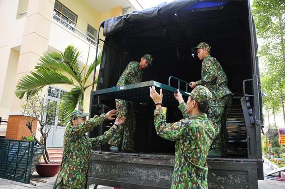 Bộ Tư lệnh TPHCM triển khai hơn 300 cán bộ chiến sĩ phòng chống dịch Covid-19 ảnh 4