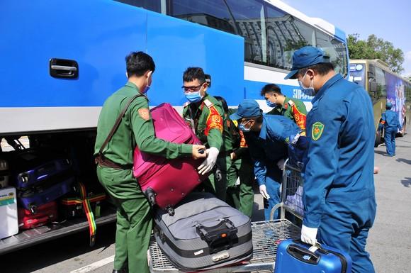 Quân khu 7 sẵn sàng tiếp nhận người về từ vùng dịch trong giai đoạn 3 ảnh 2