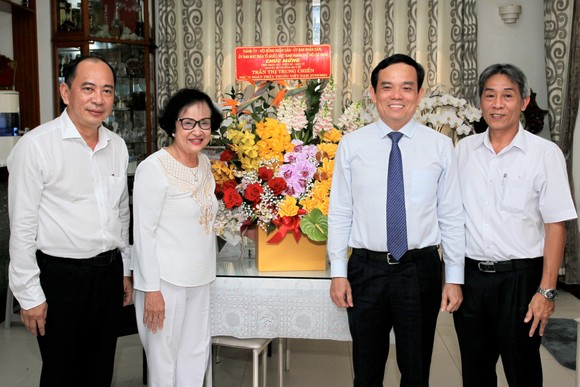 Phó Bí thư Thường trực Thành ủy TPHCM Trần Lưu Quang: 'Ghi nhớ công lao của các thầy thuốc' ảnh 3