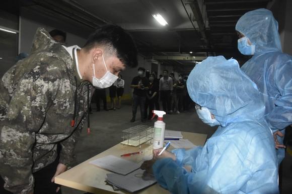 Quận 12 xét nghiệm gần 3.800 người liên quan chuỗi lây nhiễm Covid-19 ảnh 2