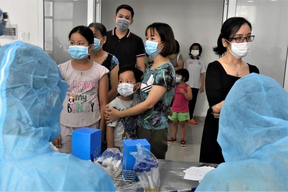 Quận 12 xét nghiệm gần 3.800 người liên quan chuỗi lây nhiễm Covid-19 ảnh 4