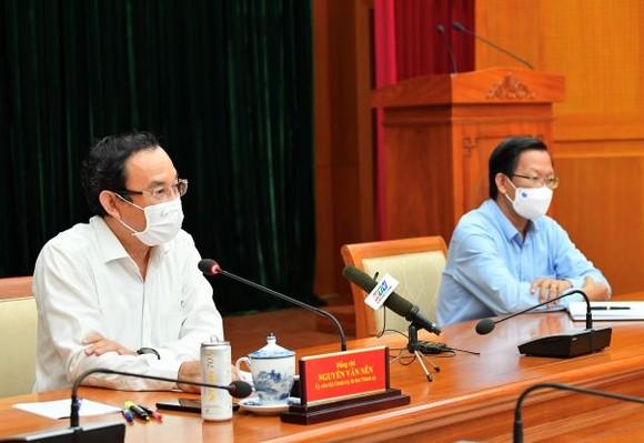Bí thư Thành ủy TPHCM Nguyễn Văn Nên: Xem xét, chọn lựa những giải pháp tốt nhất cho thành phố và người dân, doanh nghiệp ảnh 2