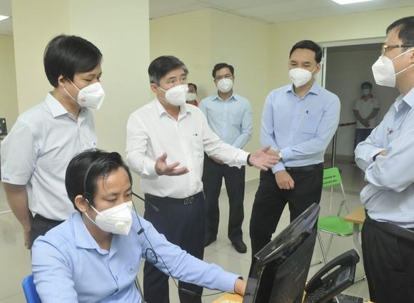 Chủ tịch UBND TPHCM Nguyễn Thành Phong: Tuyệt đối không được chậm trễ vận chuyển bệnh nhân F0 ảnh 1